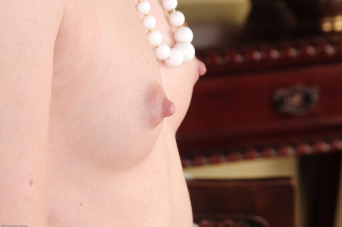 Annabelle Lee Nipples
